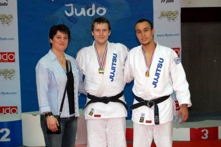 Les ponots conservent leur titre aux championnats de France Jujitsu