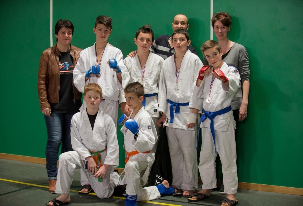 Les jeunes jujitsukas brillants au 1 er open National combat