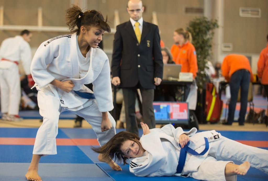 L'argent pour le duo féminin au tournoi international Jujitsu d'Orléans