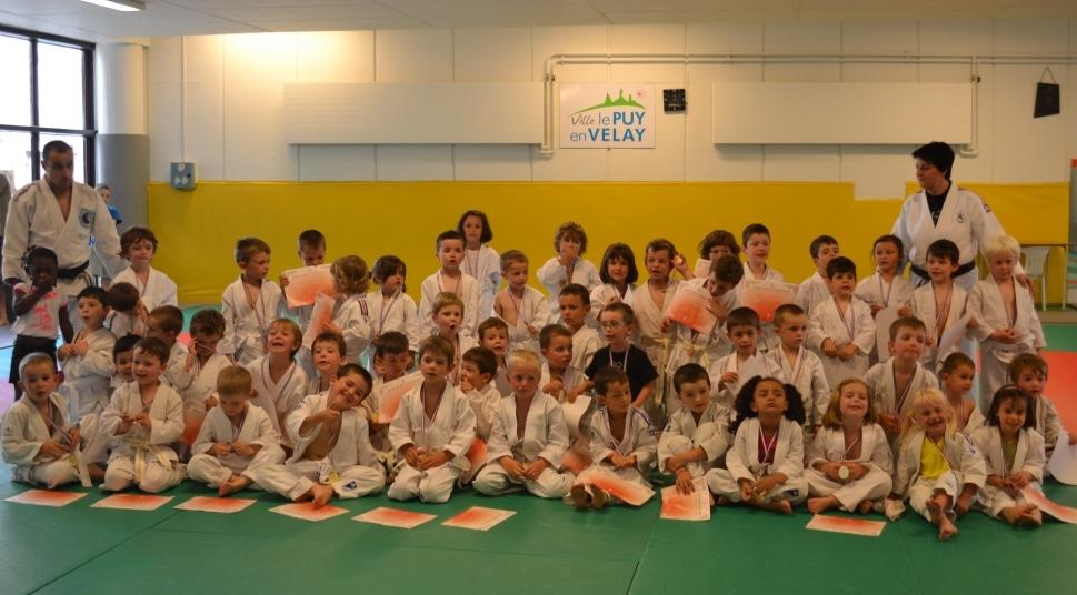 Récompenses de fin d'année pour les baby judo