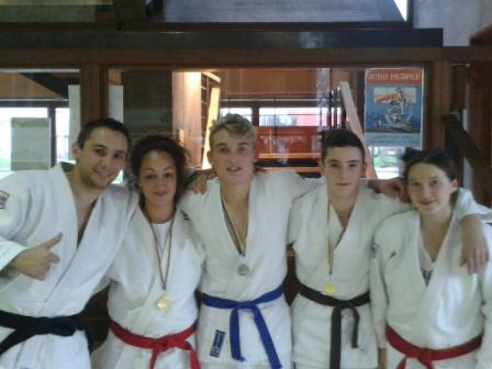 Les jujitsukas brillants à l'open national de Bretigny