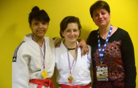 Le duo féminin en Or à l'open international Jujitsu du Nord