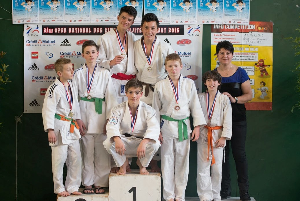 100 % de réussite pour les jeunes jujitsukas