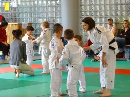 Le plaisir de se rencontrer pour les baby judo