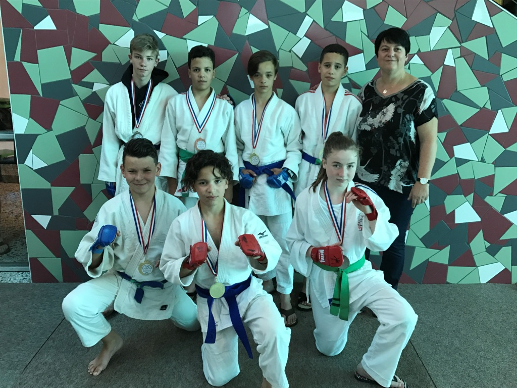 Performances des jeunes jujitsukas à la Talaudière