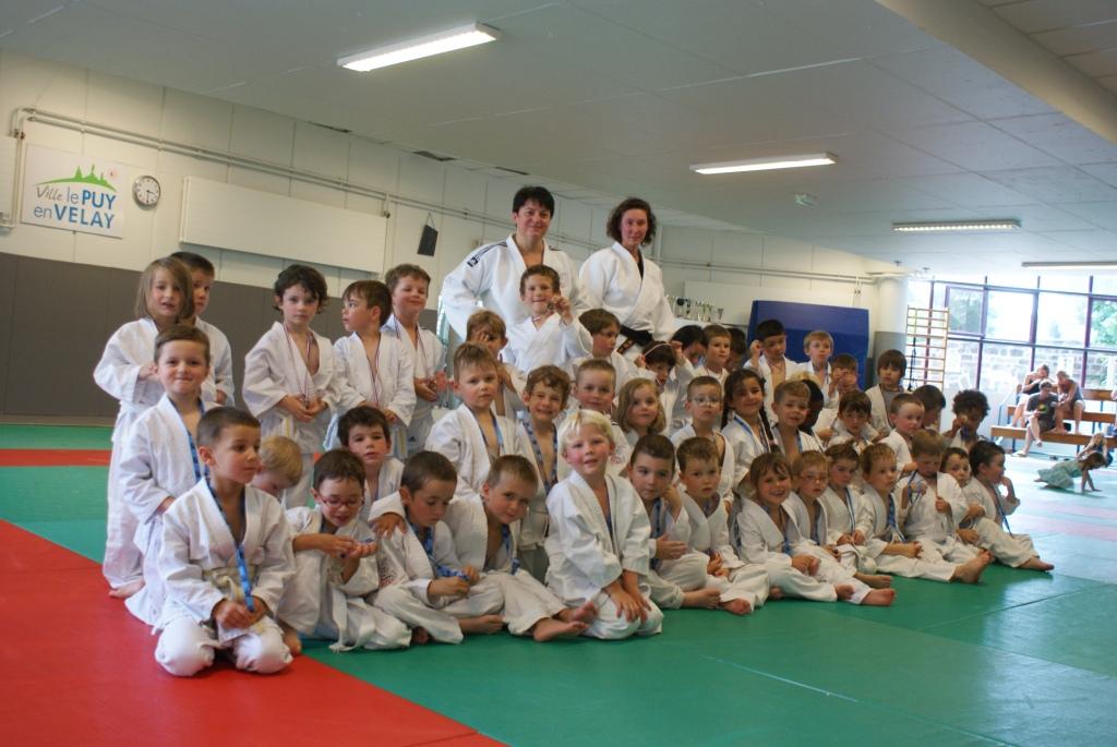 Les baby judo heureux et fiers