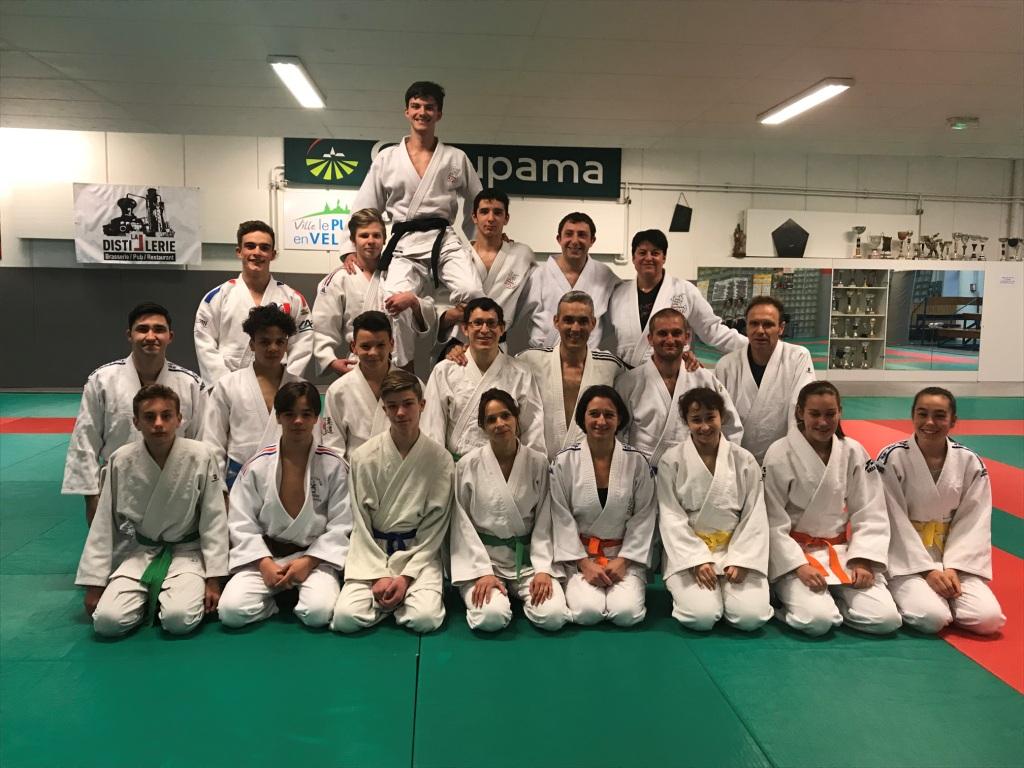 groupe jujitsu adultes avec Tyliam Rey C.N