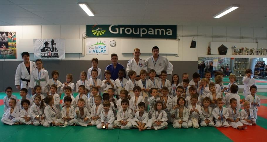 60 Baby judo heureux de leur saison