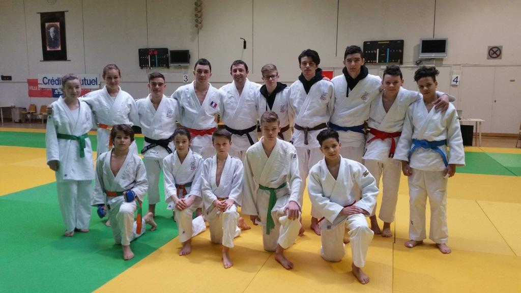 Pluie de médailles à l'open regional jujitsu de Lyon