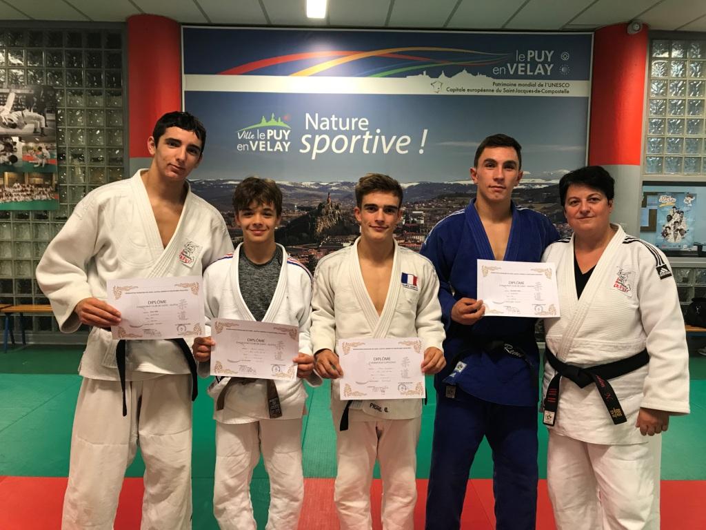 4 diplomés aux Arts martiuax le Puy - Copie